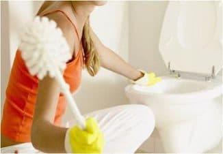 как очистить бачок унитаза от известкового налета